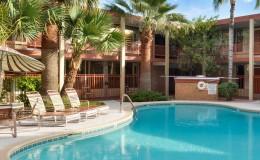Pool at Papago Inn Magnuson Hotel